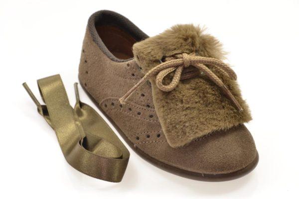 Zapato cordón y velcro